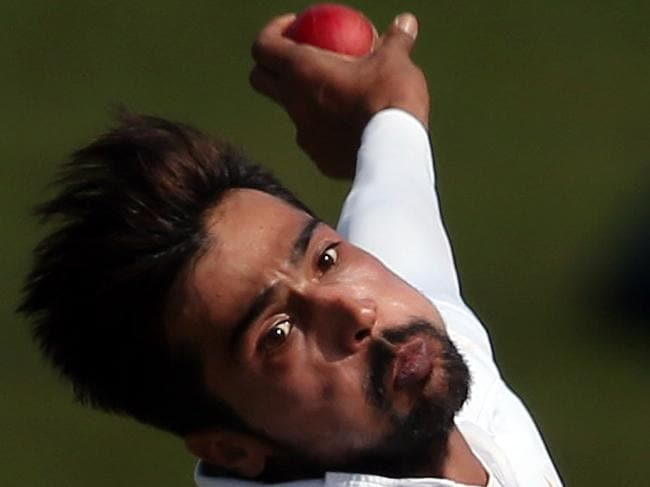 Amir sends Aussie batsmen pink ball warning