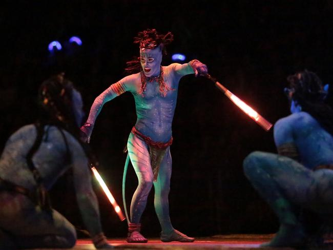 cirque du soleil porters five forces Despite a long-term decline in the circus industry, cirque du soleil  the five  competitive forces that shape strategy by michael porter.