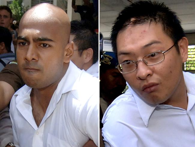 Convicted ... Myuran Sukumaran (L) and Andrew Chan (R) being escorted out of a court after their verdict in Denpasar in 2006. Pic: AFP PHOTO / Jewel SAMAD