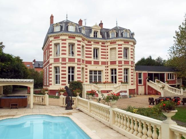 There are currently more than 800 chateau for sale in France. This property in Picardie near Paris is on the market with a $972,833 price tag.