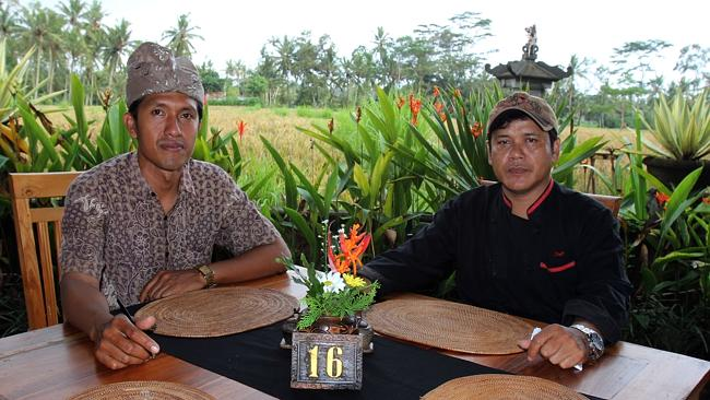 Supervisor of Dewa Malen Restaurant Wayan Bagia (L) and the chef Dewa Seken who in charge during the lunch.