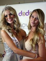 <p>Winner Renae Ayris (L) and Scherri-Lee Biggs pose after the crowning of Miss Universe Australia 2012 in Melbourne on June 8, 2012. Thirty-three finalists competed for the crown with winner Renae Ayris going on to represent Australia in the final. AFP PHOTO</p>