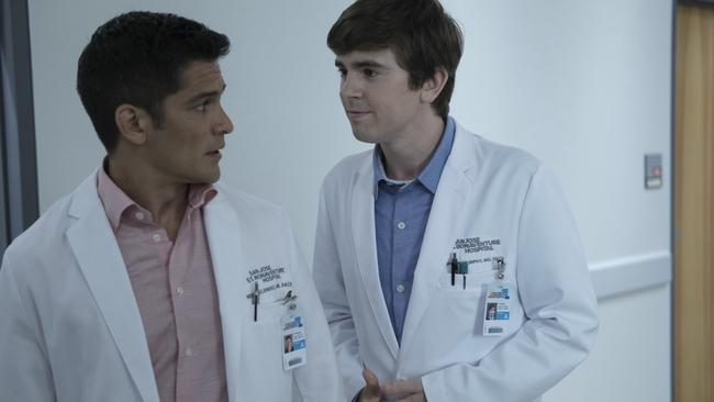 Freddie Highmore with Nicholas Gonzalez in The Good Doctor.