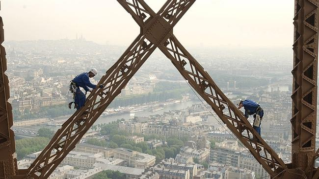 Top Of Eiffel Tower Stairs : The eiffel tower how to do it differently