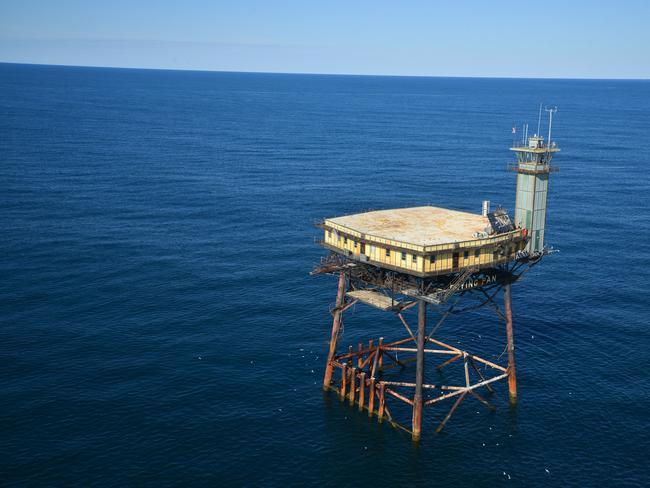 The Frying Pan Tower Hotel Is The Graveyard Of The Atlantic