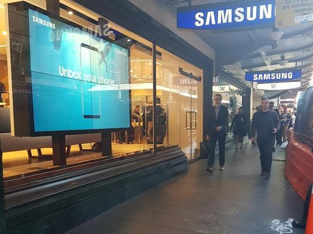 What's wrong with this Samsung launch?