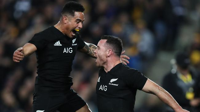 Aaron Smith and Ryan Crotty have been recalled to the All Blacks starting side.