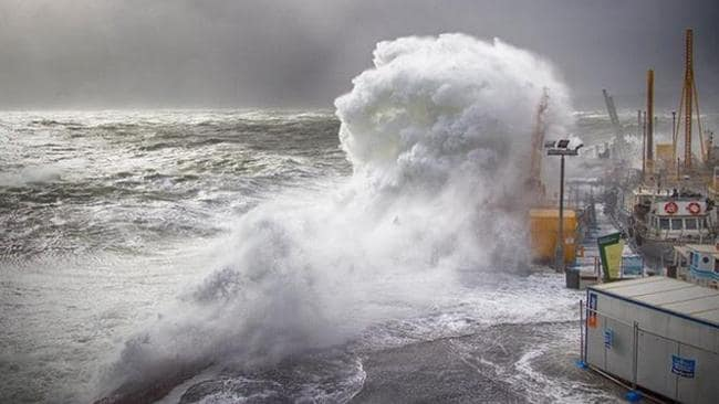 Mornington Pier whipped into a frenzy. Picture: Cameron McCullough, Mornington Peninsula News Group