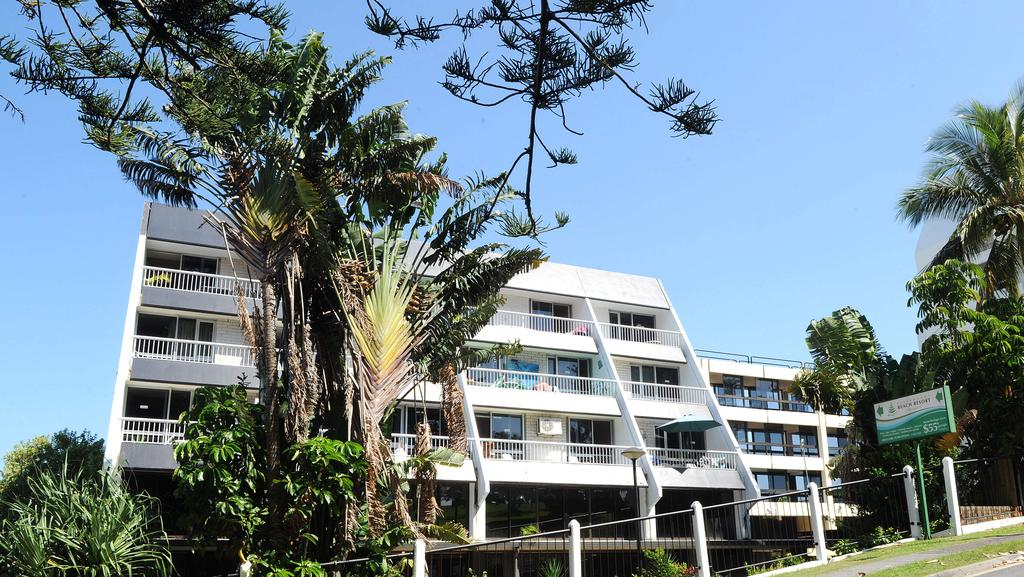 Sunland plans iconic tower for greenmount beach resort for Beach house designs gold coast