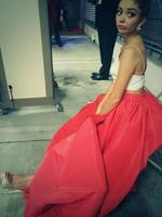 "Behind The Scenes Emmy Awards 2014... Actress Sarah Hyland, ""Just waiting for the car... In a gown... "" Picture: Twitter"