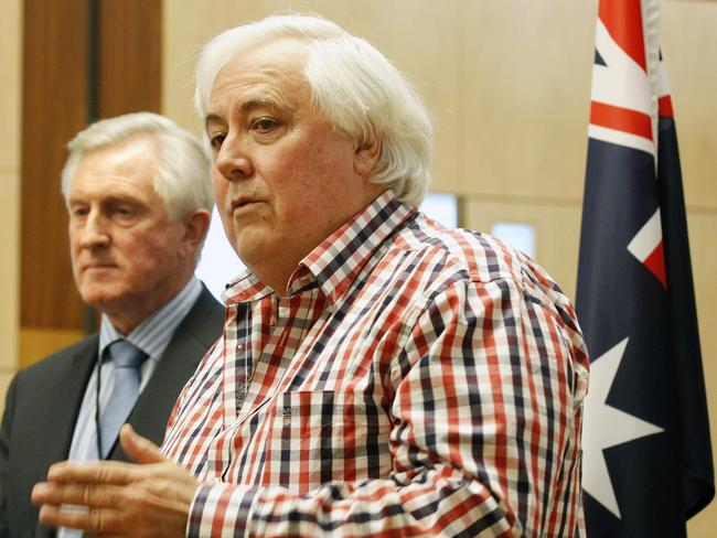 Carbon vote ... Palmer United Party federal leader and member for Fairfax Clive Palmer, economist and former Liberal Party leader John Hewson.