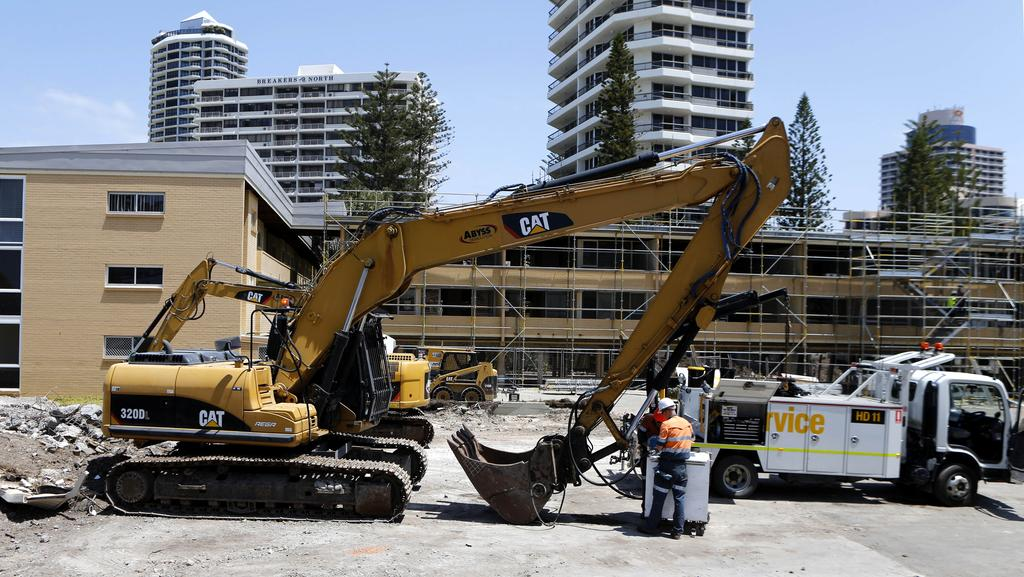 Small Demolition Project : Demolition work begins in surfers paradise to clear way
