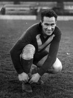 Herb Matthews prepares for a State-of-Origin game in the 1940s.