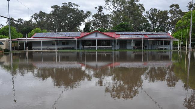 A property is surrounded by floodwaters in Euroa, Victoria. Picture: AAP Image/Brendan McCarthy.