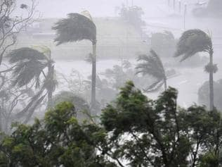 Cyclone Debbie: What tourists need to know
