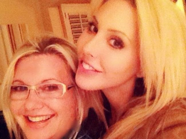 Besties ... Chloe Lattanzi has quashed rumours of a rift with her mum, Olivia Newton John, posting this photo to Instagram.