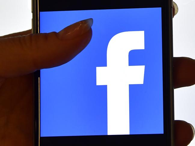 Facebook to automate news feed