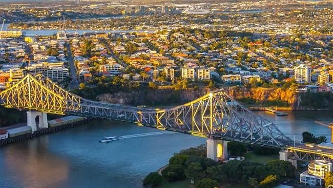 The Dawn Princess can be seen making its way to sea along the Brisbane River in Dario Cali's video.