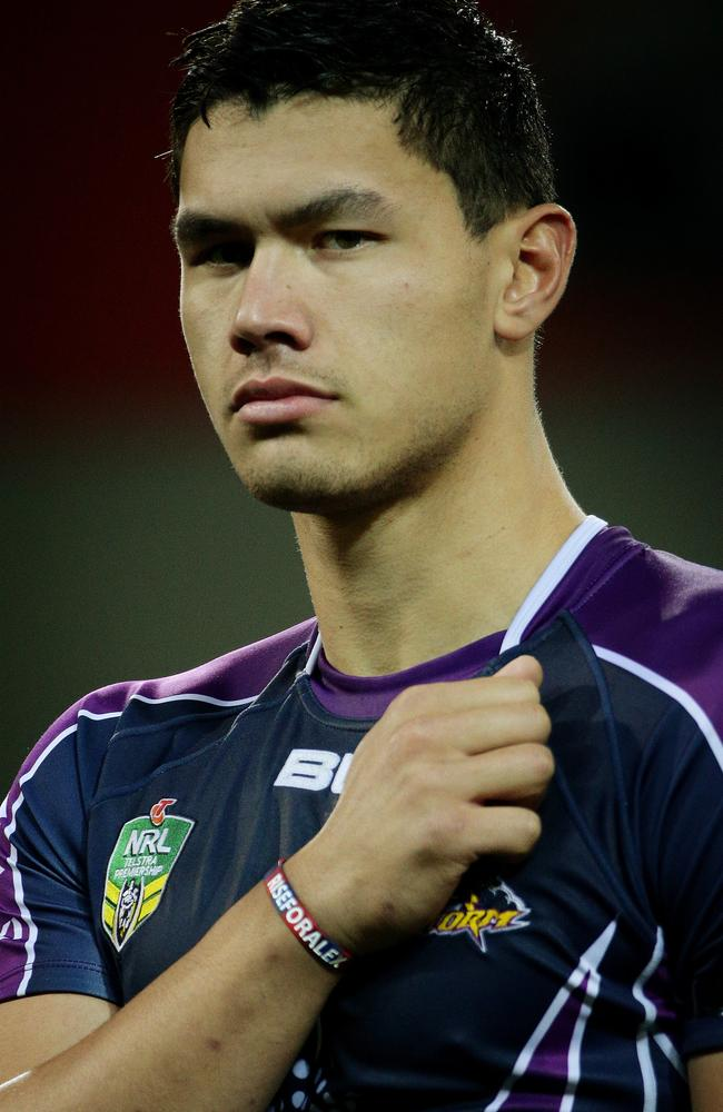 Jordan McLean shows his support for Alex McKinnon in Rise For Alex round. Pic: Colleen Petch
