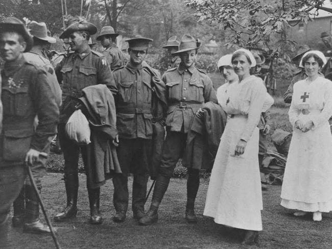 Saving lives ... Australian Red Cross nurses with wounded soldiers in World War One.