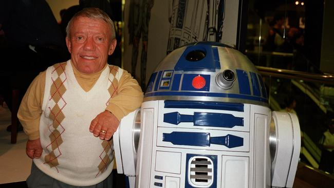 Kenny Baker, the man who played - 31.2KB