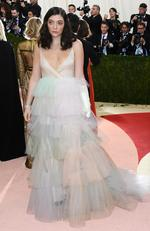 """Lorde attends the """"Manus x Machina: Fashion In An Age Of Technology"""" Costume Institute Gala at Metropolitan Museum of Art on May 2, 2016 in New York City. Picture: Larry Busacca/Getty Images"""