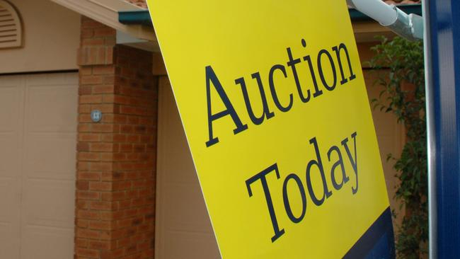 Andrew Winter shares his tips for buying a home at auction.