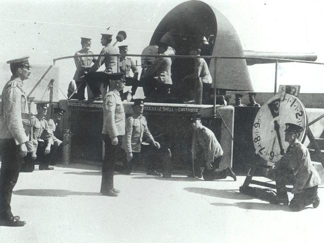 Opening salvo ... one of Fort Nepean's six-inch guns, pictured with its crew in 1914.