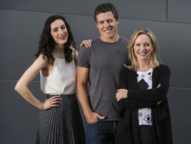 Before getting down to work ... Geraldine Hakewill, Stephen Peacocke and Rebecca Gibney at Kangaroo Point Cliffs, Brisbane. Picture: Mark Cranitch.