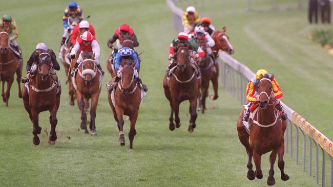 courier mail horse racing guide