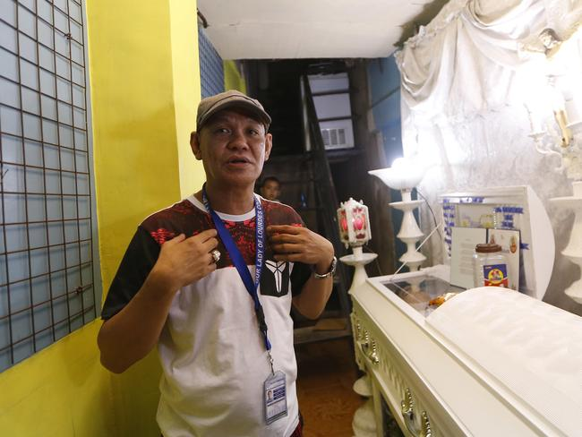 Saldy Delos Santos, father of Kian Loyd, who was killed allegedly in a shootout with police, describes his son's killing. Picture: Bullit Marquez/AP
