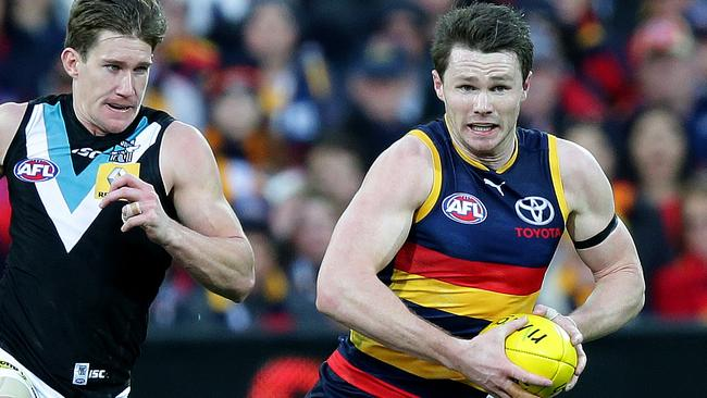 Patrick Dangerfield goes at the footy like a bull at a gate. Picture: Sarah Reed