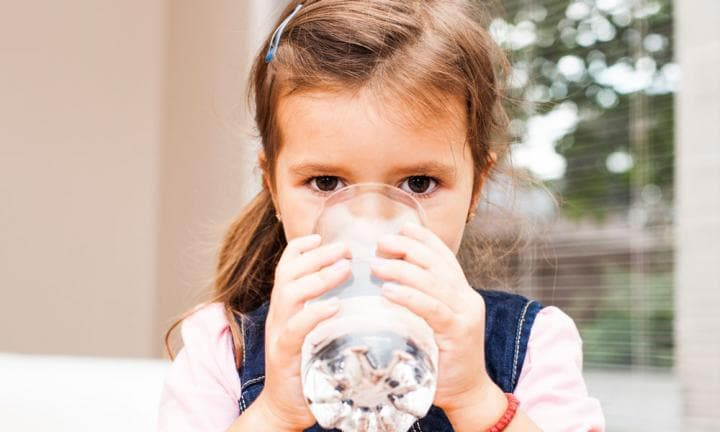 Why kids need to drink more water in winter