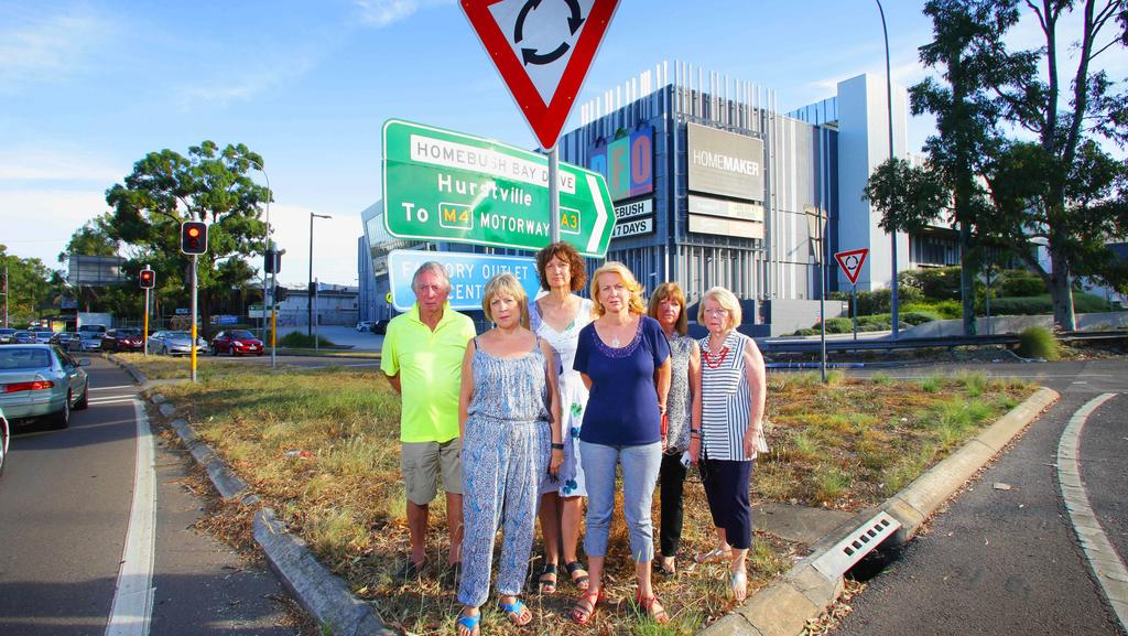 Wentworth Point Residents At Australias Worst Roundabout On Underwood Rd And Australia Ave Sydney Olympic