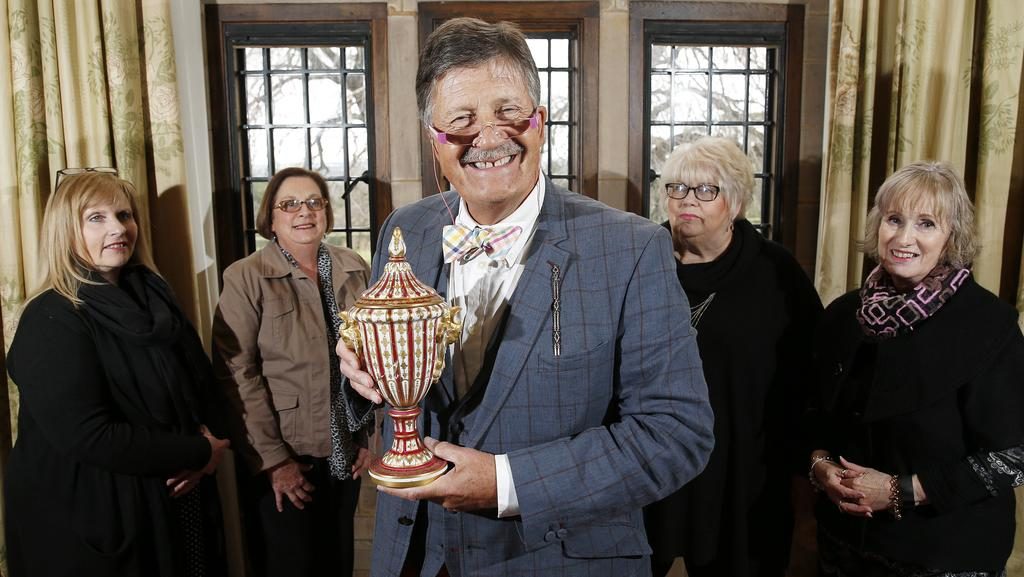 Antiques roadshow presenter tim wonnacott in adelaide in search of top hole antiques daily - Valerie garnering ...