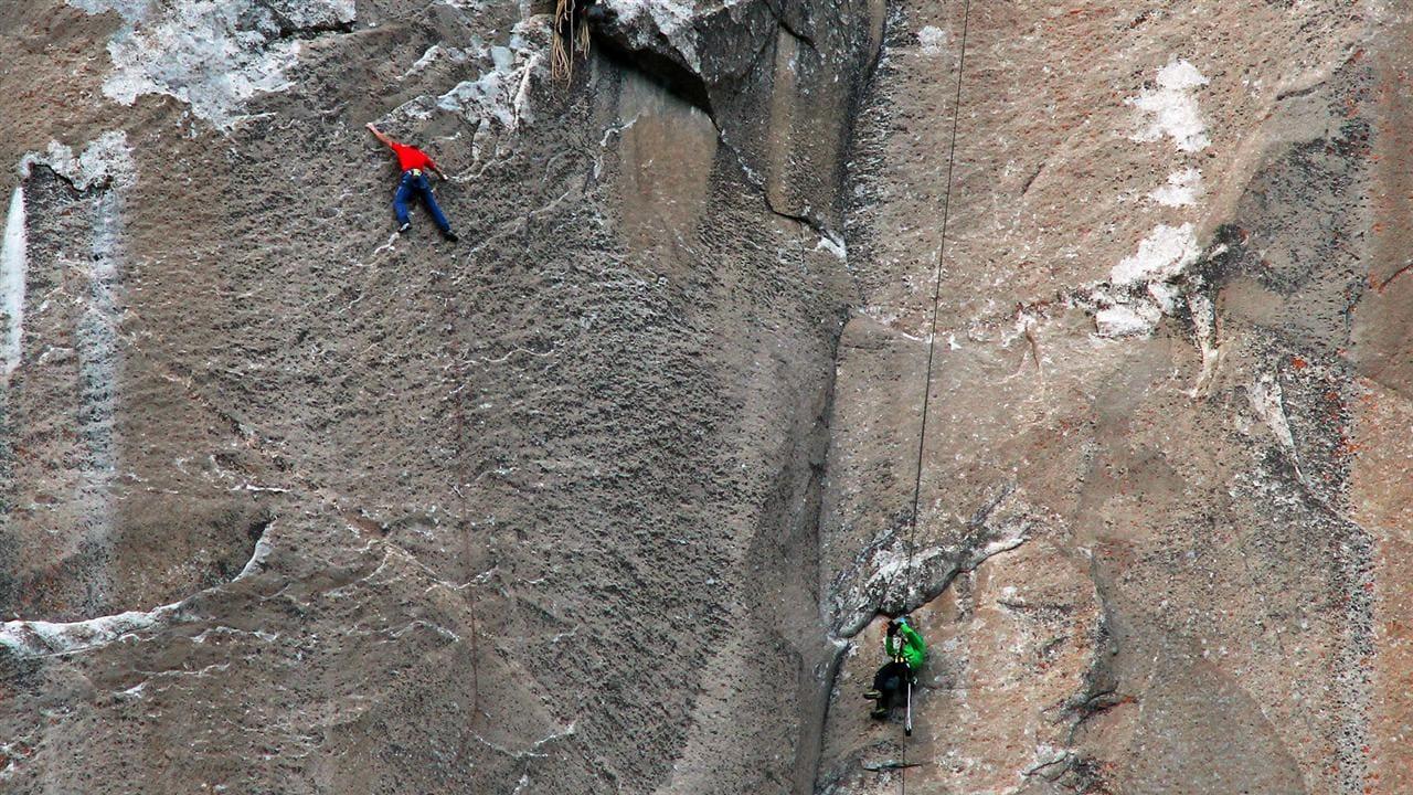 Yosemite Climbers Reach Peak Of El Capitan Granite Rock Face - Two climbers scale 3000ft hardest route world