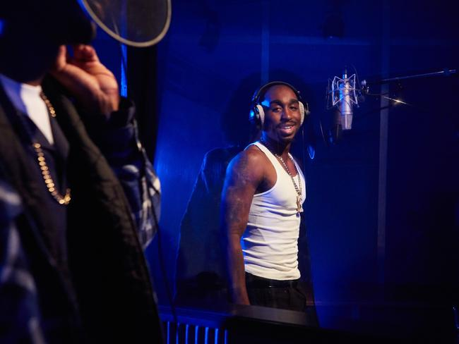 tupac shakur review 2pac the prophet returns album review 2pac still remains an icon in the hip hop world and it's no surprise that universal can still cash in on his success.