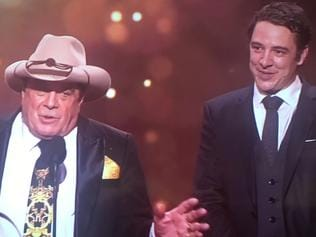 Samuel Johnson wins the Gold Logie at the 2017 Logies.