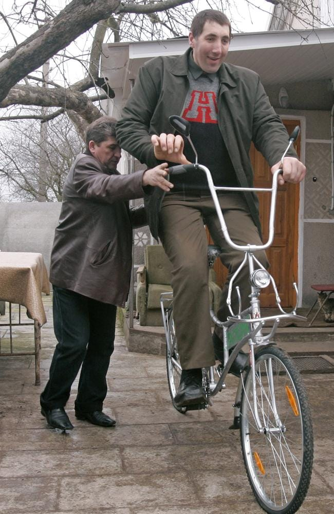 Leonid Stadnyk, believed to be the tallest man in the ...