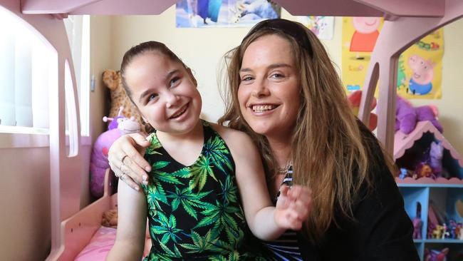 Cannabis oil: Queensland mum makes oil to stop daughter's seizures