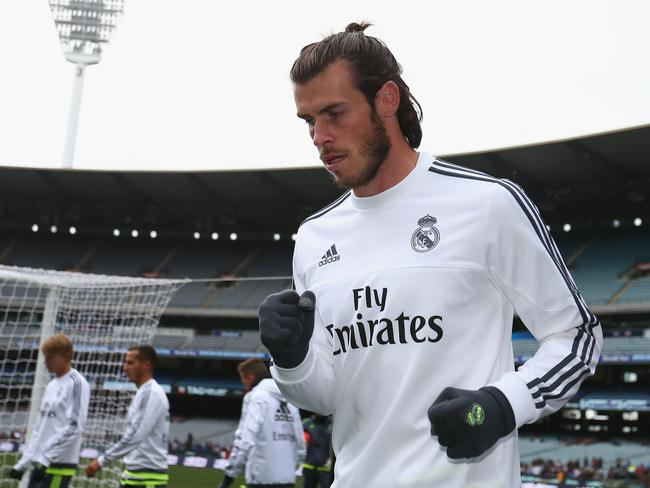 New Gareth Bale Man Bun Hairstyle With Long Hair Pictures - Gareth bale hairstyle man bun