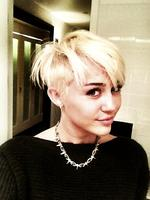 <p>Miley Cyrus shows off her new haircut. Picture: Twitter</p>