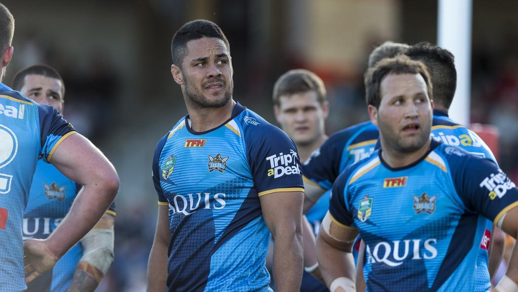 Jarryd Hayne (centre) will face the Titans board on Monday.
