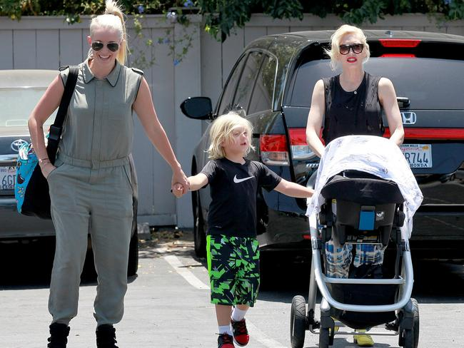 Mindy Mann and Gwen Stefani take her boys, Kingston, Zuma and Apollo out for lunch.