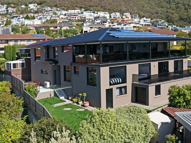 Real estate australia s most expensive house sales of for 333 south terrace adelaide