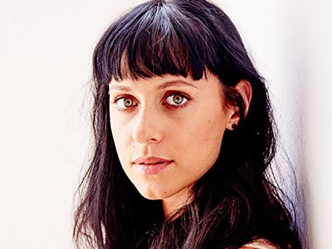 Actress Jessica Falkholt has had her life support switched off following an accident at Sussex Inlet that killed the rest of her family.
