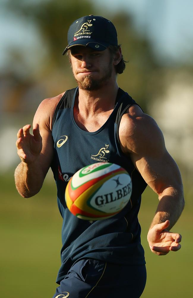 Rob Horne passes during an Australian training session at Sanctuary Cove ahead of the third Test.