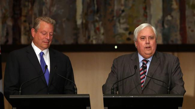 Odd couple ... Clive Palmer and former United States Vice President and climate campaigner Al Gore at Parliament House in Canberra.