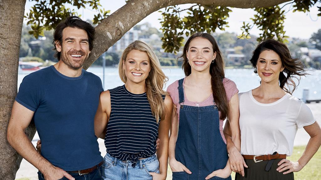 Home and away family perth now for Wallpaper home and away
