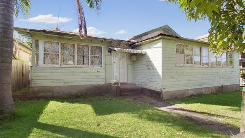 Manly Vale Cottage With No Power Or Plumbing Up For Grabs